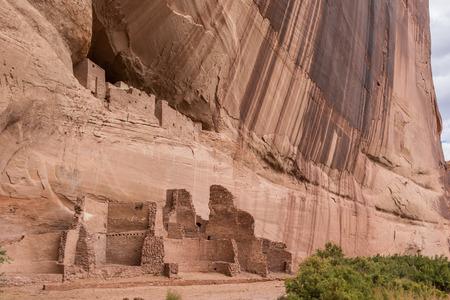 dwelling: White house ruins in Canyon de Chelly National Monument, Arizona, USA Stock Photo