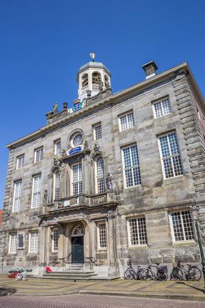 noord: Town hall in historical village Enkhuizen, Neterlands