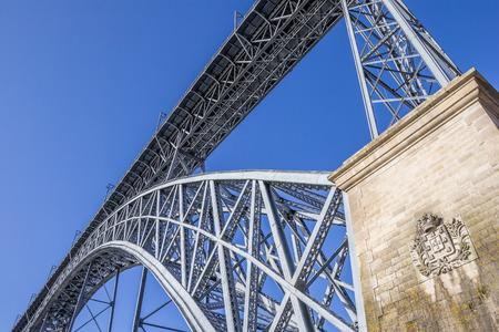 ponte: Close up of the bridge Ponte Luis in Porto, Portugal