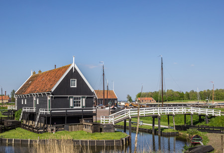 enkhuizen: Wooden houses at the lake in Enkhuizen, Holland