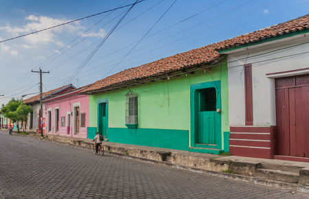 leon: Street with colorful houses in Leon, Nicaragua