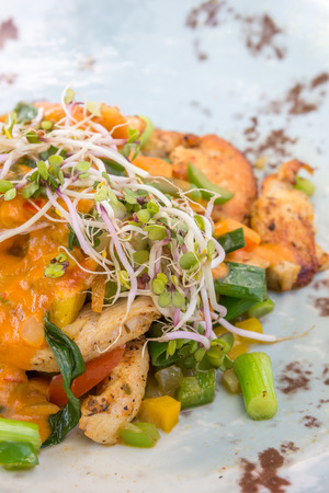 bean sprouts: Chicken bombay with leek, green pepper, bean sprouts and alfalfa