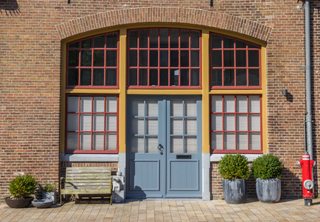 hoorn: Entrance to an old house on the Oostereiland in Hoorn, Netherlands
