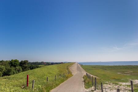 Dike road on the Wadden island of Texel, The Netherlands Stockfoto