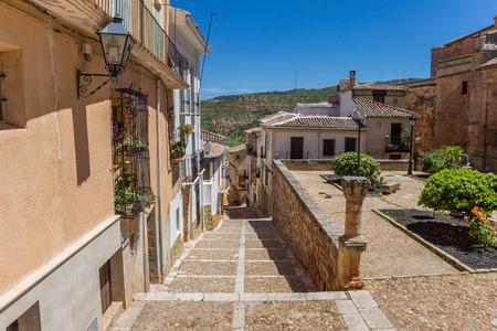Vecchia strada di ciottoli nella storica città di Alcaraz, Spain Archivio Fotografico