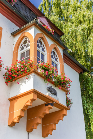 Bay window at the Ebertor building of Boppard, Germany Imagens - 133490959