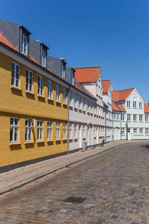 Cobblestoned street with historic houses in Ribe, Denmark Archivio Fotografico