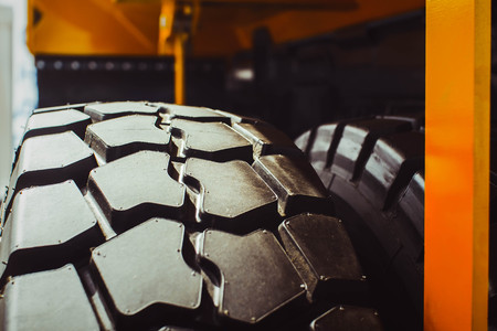 retreading: Cargo tires are new at the mining exhibition