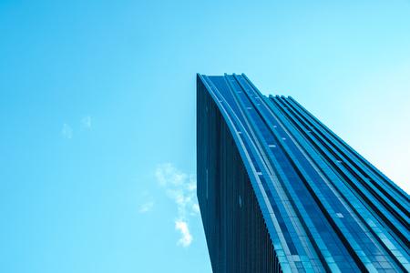 ASTANA, KAZAKISTAN - 3.09.2018: grattacieli in Kazakistan diversi grattacieli nel centro della città. Nuvoloso nella capitale.