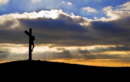 Silhouet van kruisiging van Jezus Christus op goede vrijdag Pasen kruis Stockfoto
