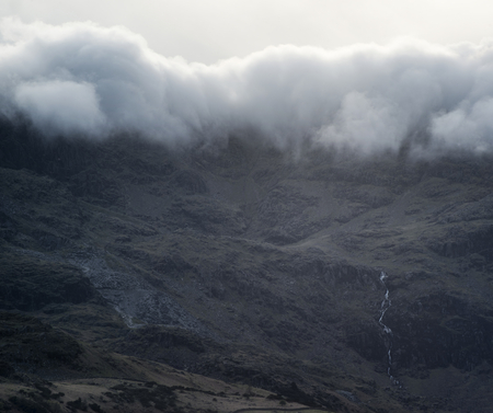 inversion: Landscape Old Man of Consiton cloud inversion in Lake District Stock Photo