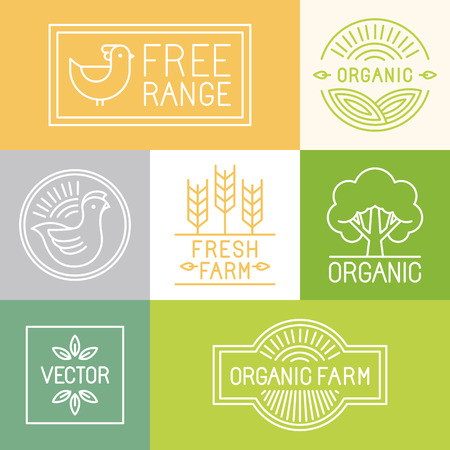Vector fresh farm and free range labels and badges in trendy linear style - icons and signs for food industry Ilustração