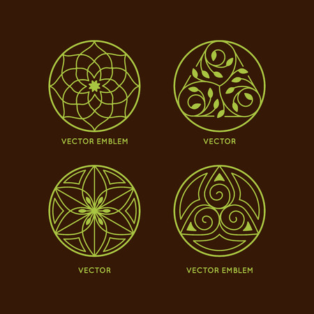 Vector set of logo design templates and symbols in trendy linear style - organic emblems, natural concepts and alternative medicine and holistic centers signs - round outline badges 矢量图像