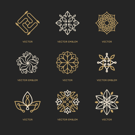 armonia: Vector conjunto de plantillas de diseño de logotipo y símbolos de estilo lineal moda - emblemas orgánicos, conceptos naturales y medicina alternativa y signos centros holísticos