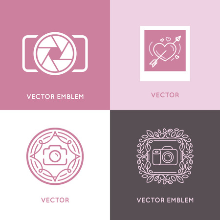 Vector set of wedding photography logo design templates in trendy linear style - studio and fashion photographers badges and labels Vettoriali