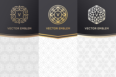 Vector set of design elements, labels and frames for packaging for luxury products in trendy linear style - simple and bright background made with golden foil on black background with copy space for text Vettoriali