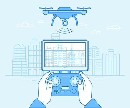 Vector illustratie in vlakke lineaire stijl en blauwe kleuren - drone quadcopter en handen met flight controller - nieuwe technologie concept - drone vliegt over stadslandschap met camera Stock Illustratie