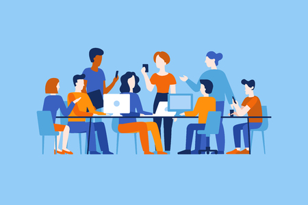 Ilustracja wektorowa w płaskim prostym stylu z postaciami - tworzenie aplikacji i oprogramowania - ludzie pracujący razem - zespół programistów, grafików i projektantów interfejsów, kierowników projektów