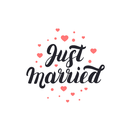 Net getrouwd hand belettering met hartjes achtergrond voor bruiloft kaarten en de uitnodiging.