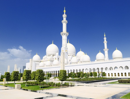 blue mosque: Abu Dhabi Sheikh Zayed White Mosque Stock Photo
