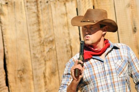 OUT WEST - Un cowboy vuole tempo per riposare e riflettere.