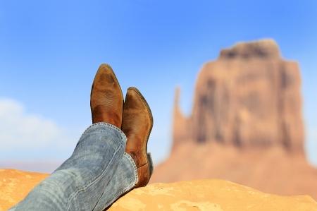 rilassato di fronte a Monument Valley tribale Parl, American Southwest