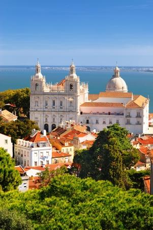 Panorama di un vecchio quartiere tradizionale di Lisbona Archivio Fotografico