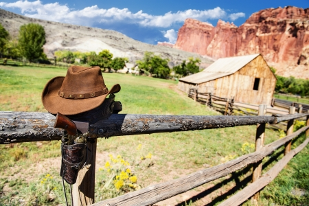 munition: hat and gun in the far west, western spirit