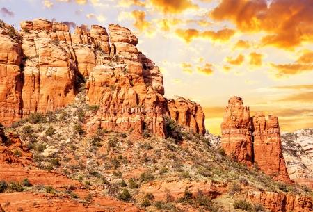 coconino national forest: famous chimney rock in Red Rock country, Sedona, USA