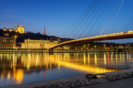 リヨン フルヴィエール大聖堂とソーヌ川からの夜景 写真素材