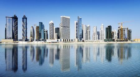 두바이의 스카이 라인 아랍 에미리트