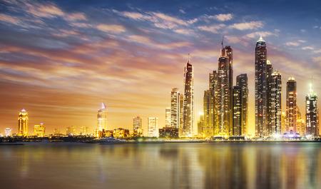 Dubai Marina Skyline, wie vom Palm Jumeirah gesehen