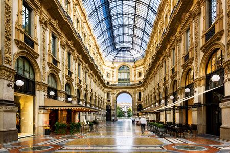 Glass dome of Galleria Vittorio Emanuele in Milan, Italy Éditoriale