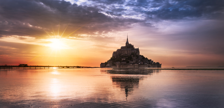 saint: Le Mont-Saint-Michel at sunset, Normandie, Bretagne, France, Europe