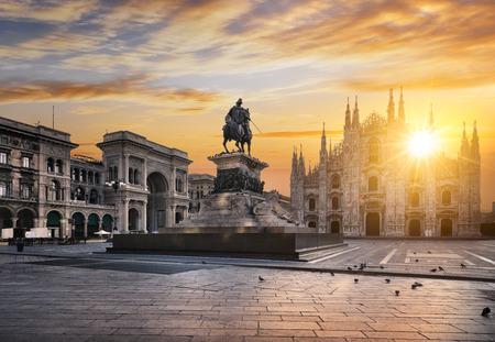 Duomo at sunrise, Milan, Europe. 스톡 콘텐츠