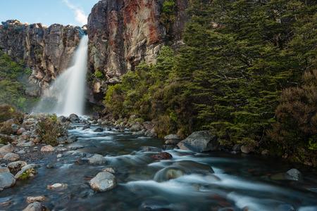 tongariro national park: Taranaki Falls in Tongariro National Park, New Zealand