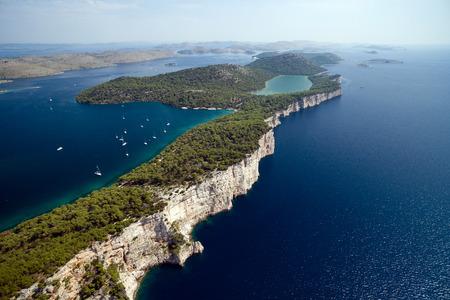 Telascica 自然公園とクロアチアでスラノ湖空撮
