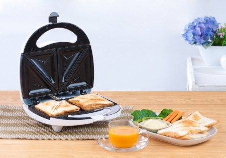 maker: Sandwich maker great and convenience kitchenware