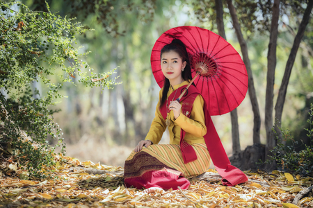 Thai traditional Uniform dress, Thailand ancient traditional skirt,The uniqueness of the dress of Lanna style