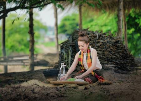grandkids: Thailand women s cooking made ??us happy.