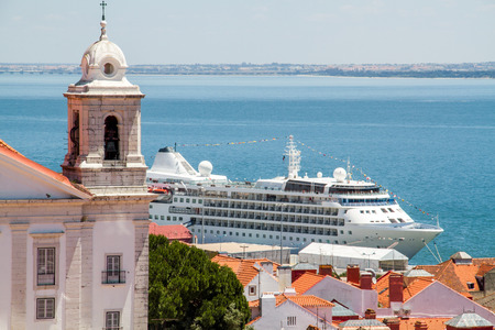 embark: Cruise ship docked at port in Lisabon Stock Photo