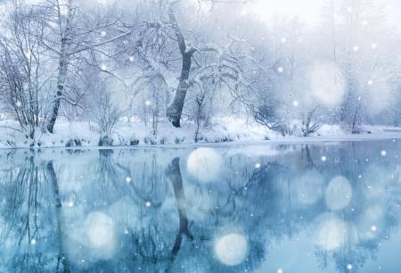 invierno: río en invierno las nevadas