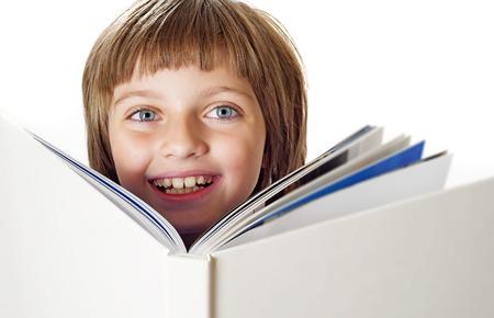 어린 소녀: 책과 어린 소녀