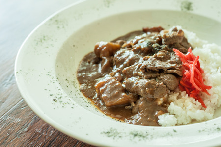 beef curry: rice pour beef Curry