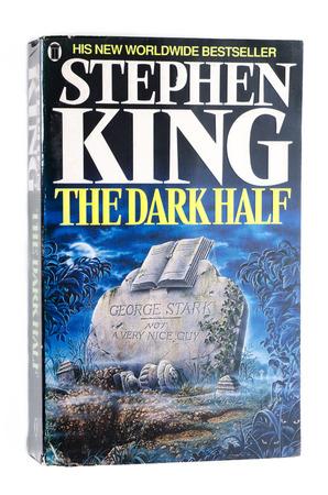 paperback: Brossura La met� oscura di Stephen King