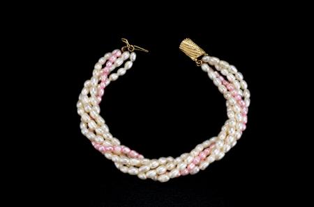 freshwater pearl: Natural white-rose freshwater pearl bracelet