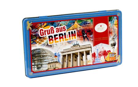 confiserie: Fancy tin box Grub aus Berlin with 4 high quality milk chocolate miniature bars (120 g) inside. Produced by Confiserie Heidel, Germany
