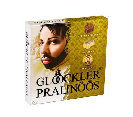 fancy box: Carton fancy box of Gloockler Pralinoos. Delicious and Special German Chocolates 89g. Produced in Germany