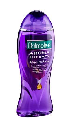 gel douche: Bouteille en plastique de Gel douche Palmolive Aroma Therapy Absolute Relax 500 ml. Gel est enrichi avec des huiles essentielles naturelles de lavande, ylang-ylang et patchouli �ditoriale