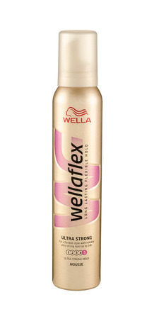 long lasting: Can of spray Wellaflex Mousse Ultra Strong Hold 200 ml. The mousse gives you ultra-strong, reliable and long lasting hold, without stickiness Editorial